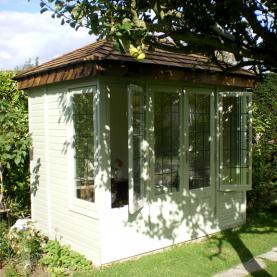 8' x 6' cedar Ashton with with coloured external finish