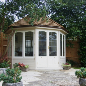 10' x 10' Hopton with square leaded windows and doors