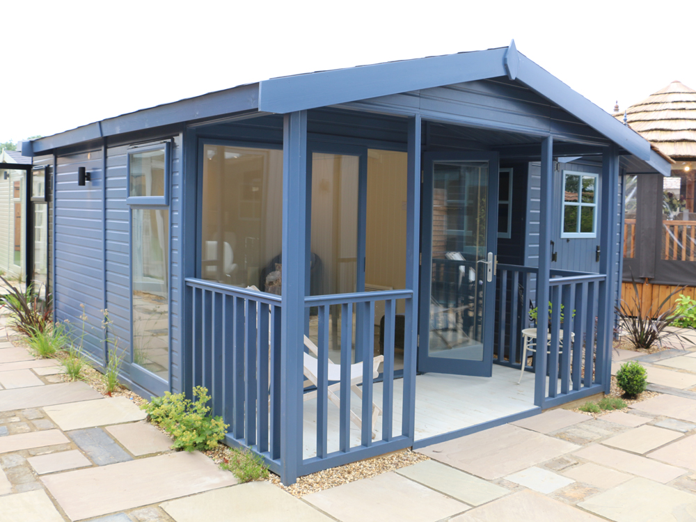 Studio Apex garden office by Malvern Garden Buildings