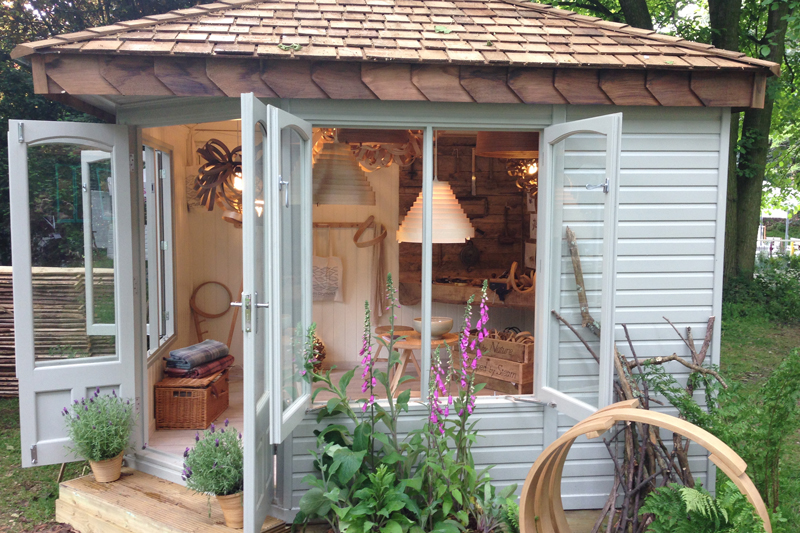 Using your garden building: A Crafty Corner