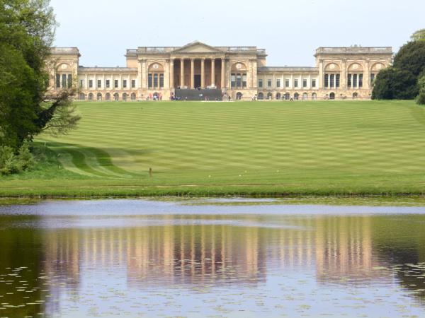 Buckingham, Buckinghamshire: Staycation Inspiration