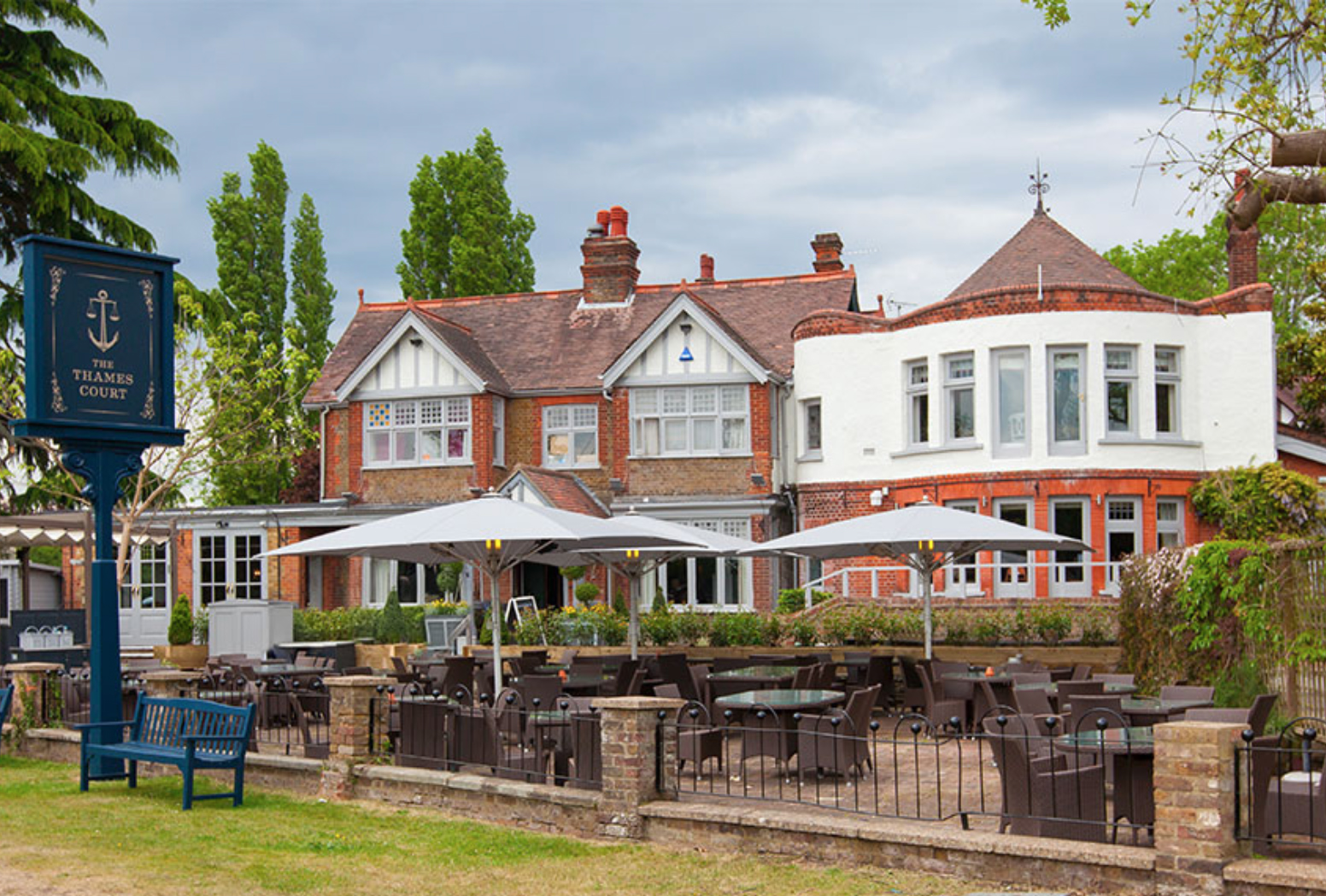 Thames Court Pub, Shepperton, Greater London. Staycation Inspiration by Malvern Garden Buildings