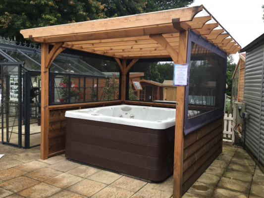 Flat roof hot tub cover