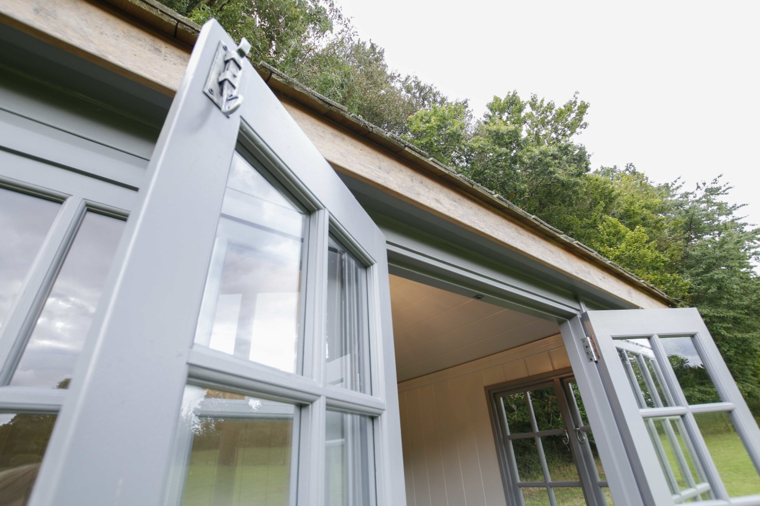 Malvern Garden Buildings visits Jan who owns a Kew Victoria garden room. Owner