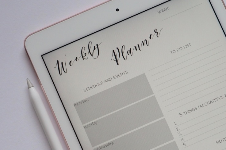 Blank Weekly planner on tablet
